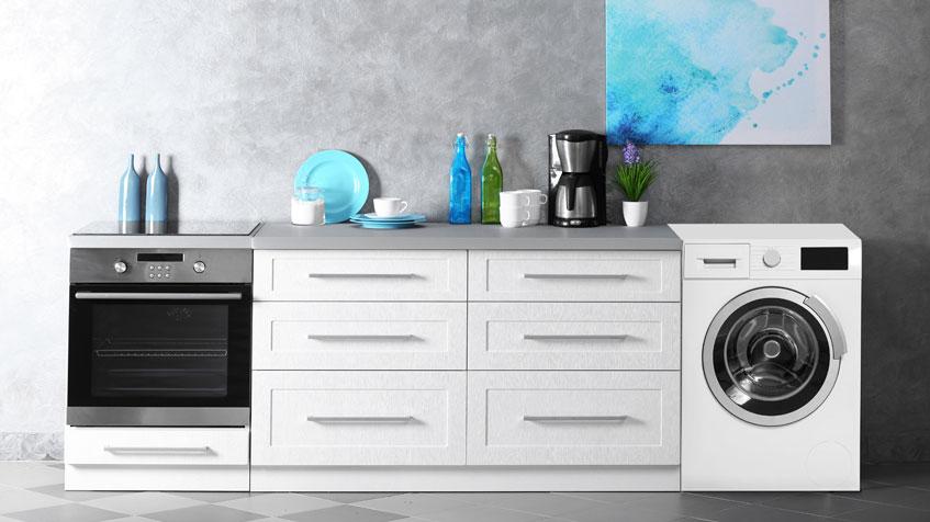 Si possono tenere forno e lavatrice accesi insieme?